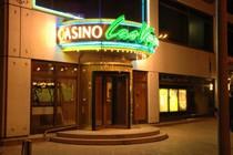 Caribbean Stud poker ofrecerle